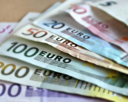 cash-euro-finance-money